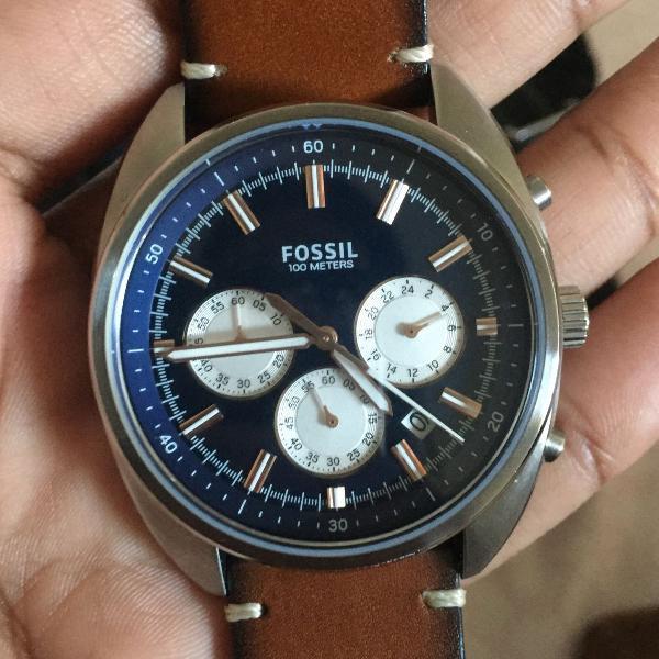 Relógio fóssil couro