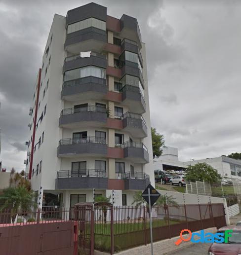 Apartamento com 3 dormitórios sendo um suíte, com dependência.