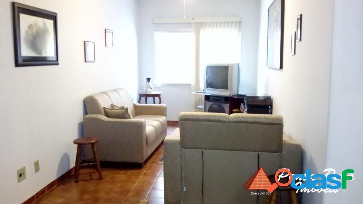 Apartamento com 02 dorm/elevador/garagem