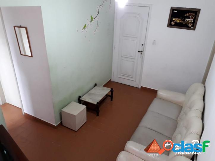 Apartamento de 01 dorm/elevador/garagem