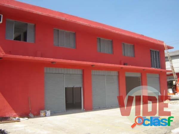 Prédio comercial (loja/galpão), com 680 m², próx. à dutra e tamoios, em sjc