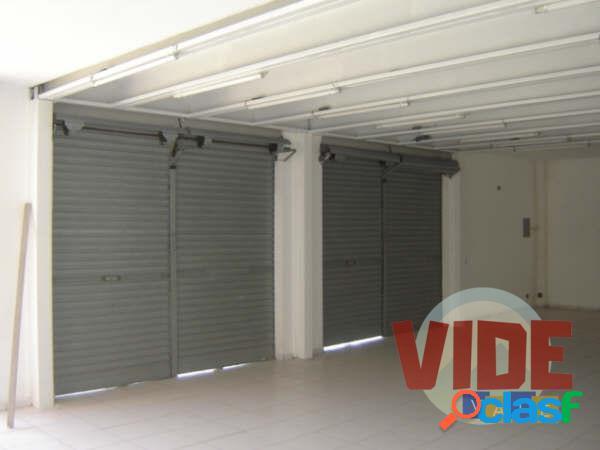 Prédio Comercial (Loja/Galpão), com 680 m², próx. à Dutra e Tamoios, em SJC 2