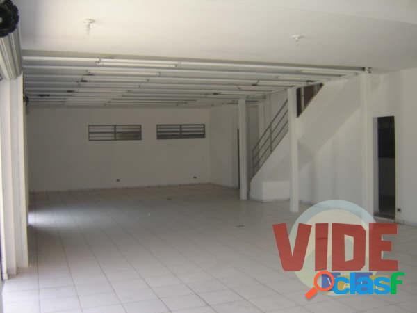 Prédio Comercial (Loja/Galpão), com 680 m², próx. à Dutra e Tamoios, em SJC 3