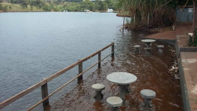 Alugo chacara bela vista 2,beira da represa