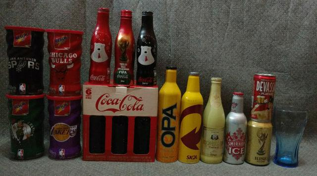 Coleção garrafas e latas comemorativas