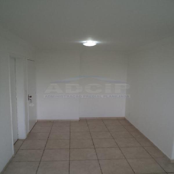 Excelente apartamento dois dormitórios c/ 01 vaga - trav.