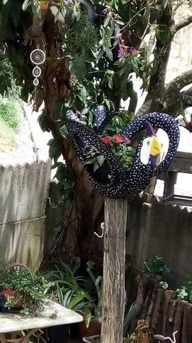 Jardineira de pneu galinha angola