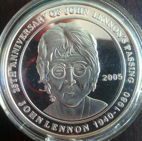 Medalha John Lennon Beatles Cook Islands 2005
