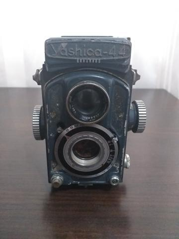 Máquina fotográfica Yashica 44 (1958)