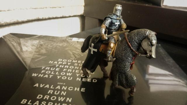 O primeiro numero da coleção cavaleiros da idade media