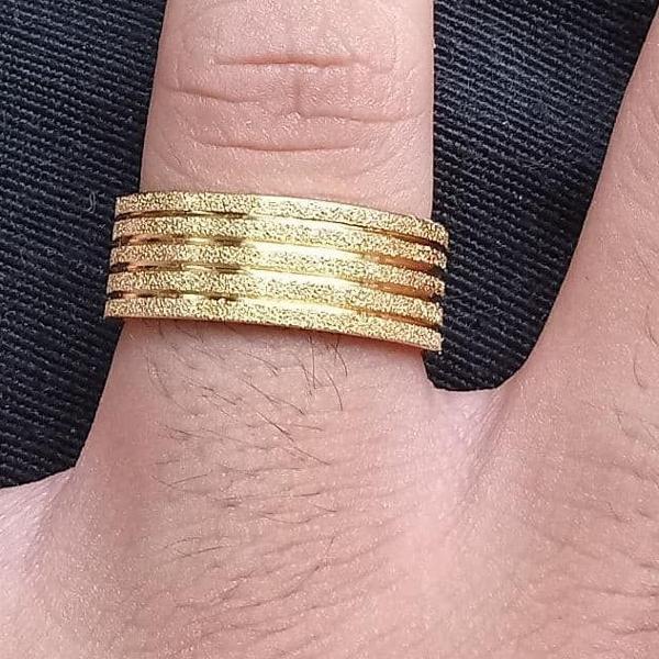Aliança grossa 8 mm brilhante banhada a ouro 18 k