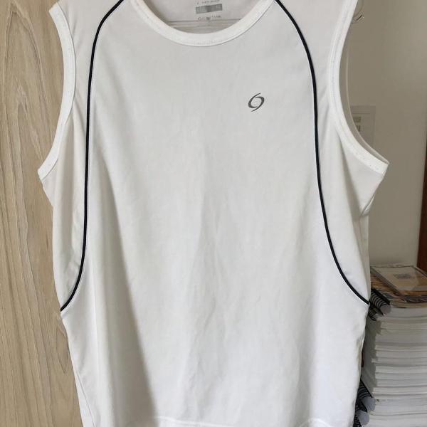 Camiseta masculina esportiva