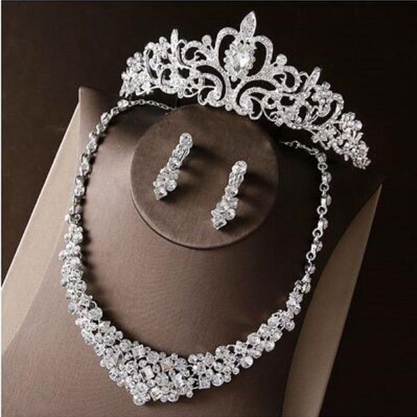 Conjunto coroa noiva colar borboleta /brinco pente 15 anos