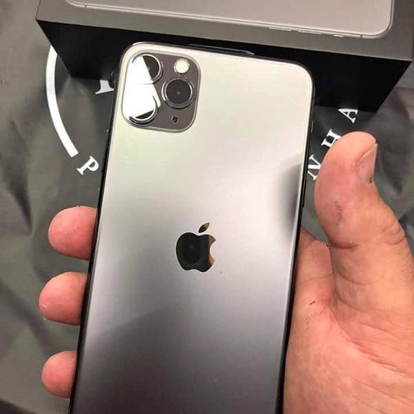 Iphone 11 pro max / 64gb - cinza espacial