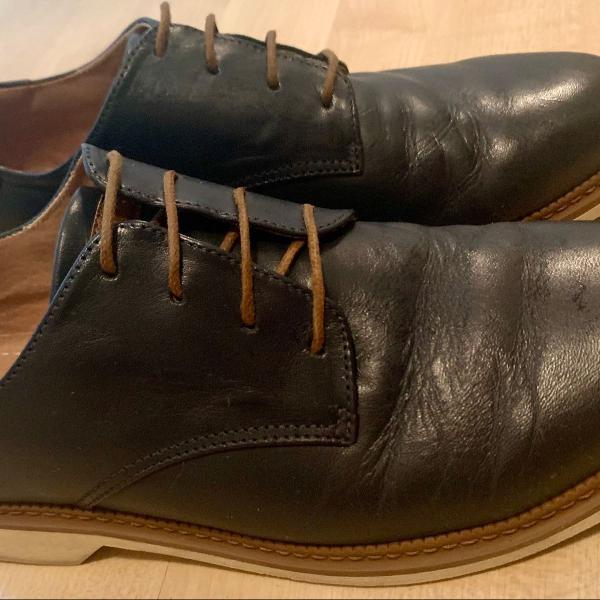 Sapato azul marinho couro sola de borracha 40