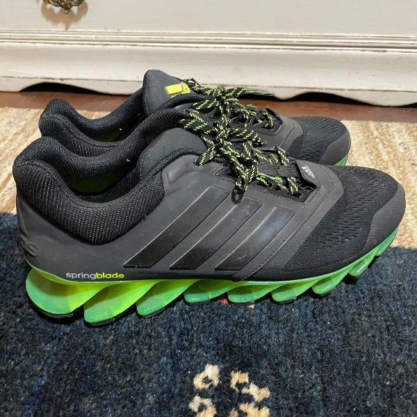 Tênis adidas 40 springblade verde fluorescente e preto