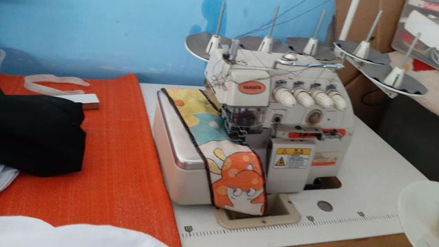 Máquina costura interlock