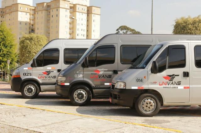 Van - transporte de passageiros - faculdade metodista -