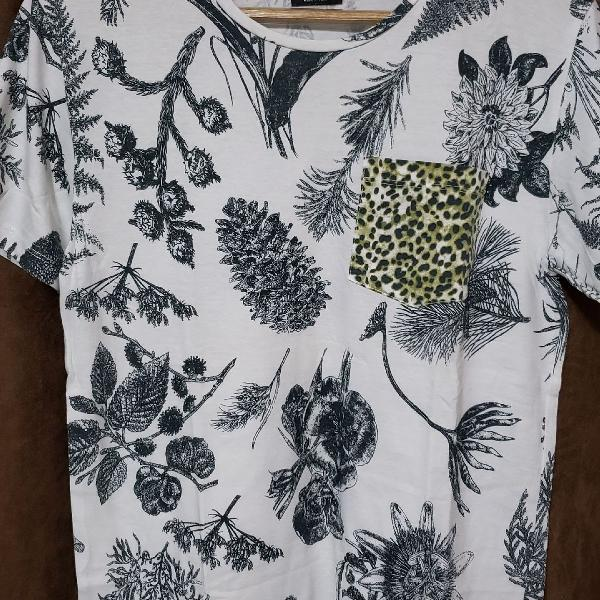 Camiseta floral zara