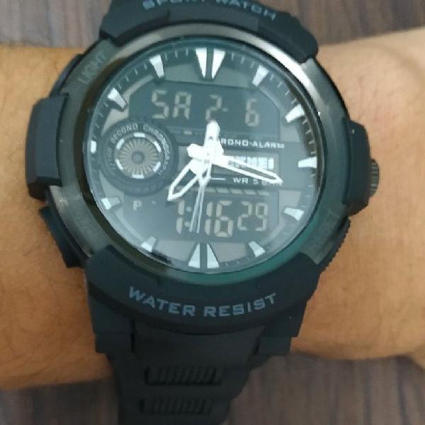Relógio esportivo masculino