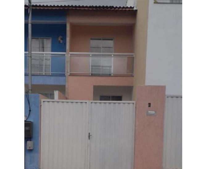 Casa duplex no laranjal de 2 quartos e entrada independente