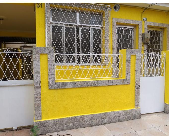 Alugo casa em condomínio em padre miguel
