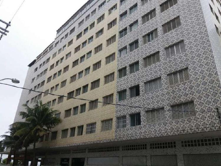Apartamento 1 dormitório - semi mobiliado - prédio de