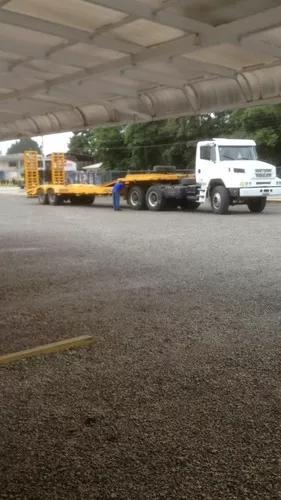 Caminhão prancha/transporte de pesados
