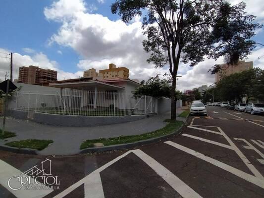 Casa comercial na rua paranaguá