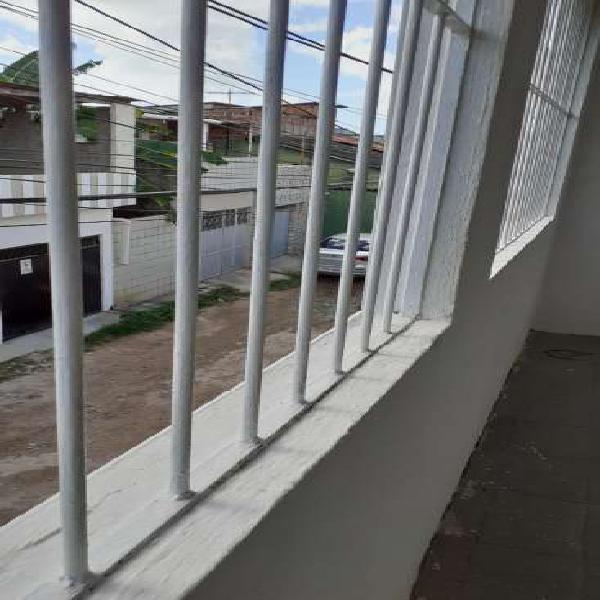 Excelente apartamento com sala dois quartos apenas 500