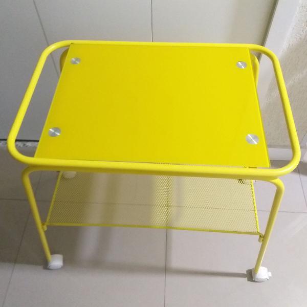 Mesa amarela (carrinho) tampo de vidro tok&stok