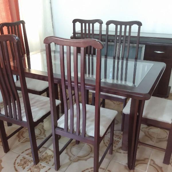 Mesa com 6 cadeiras + buffet + espelho