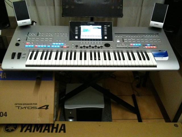 Nova marca yamaha tyros 4 61-key keyboard arranger