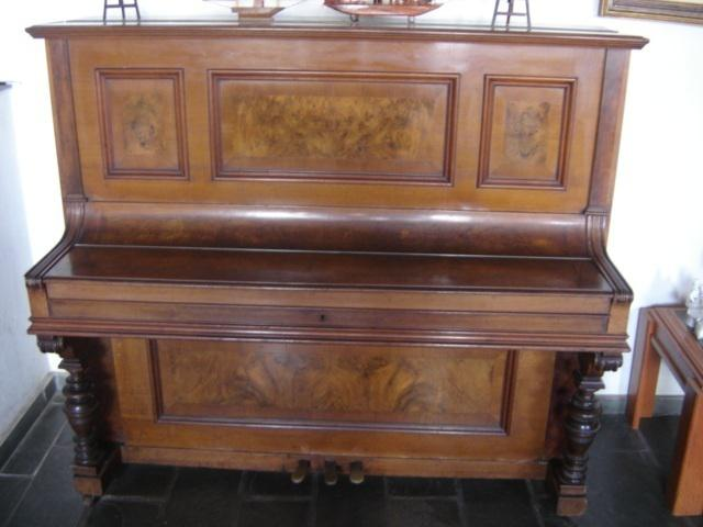 Pianoforte g. klingmann & co. - piano alemão x acordeon.