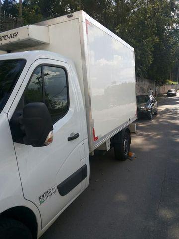 Renault master chassis com baú refrigerado novissímo