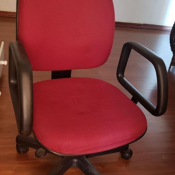 Cadeira executiva escritório ergonômica giratória
