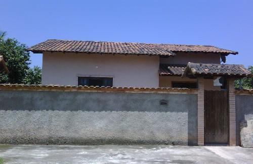 Casa linear de 2 quartos com garagem e quintal cod.ama0542