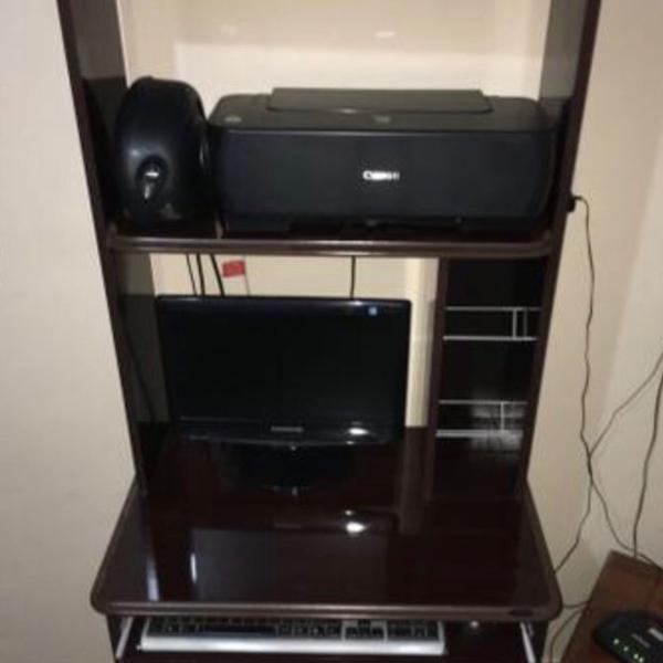 Escrivaninha/mesa para computador/ estante com