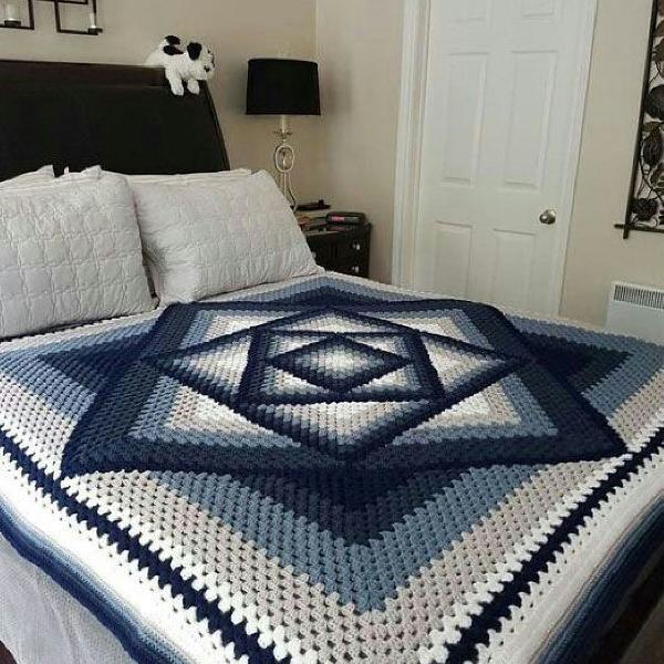 Linda colcha para decoração de seu quarto
