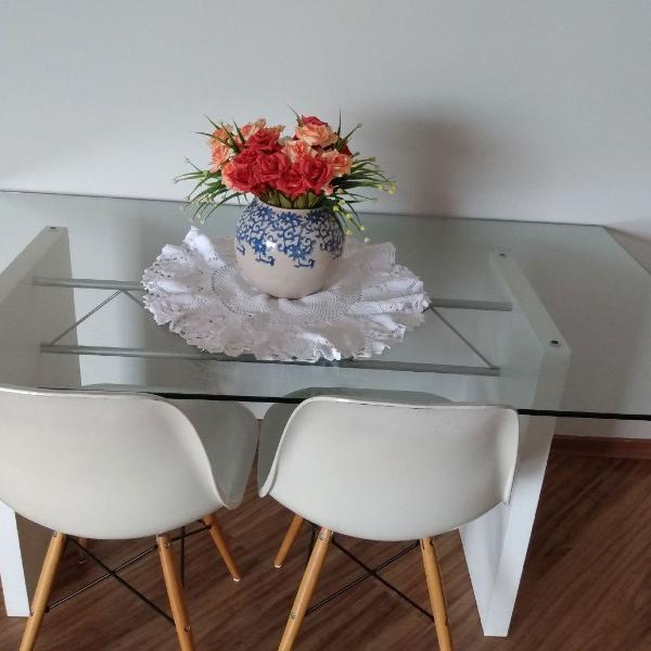 Mesa c duas cadeiras etna