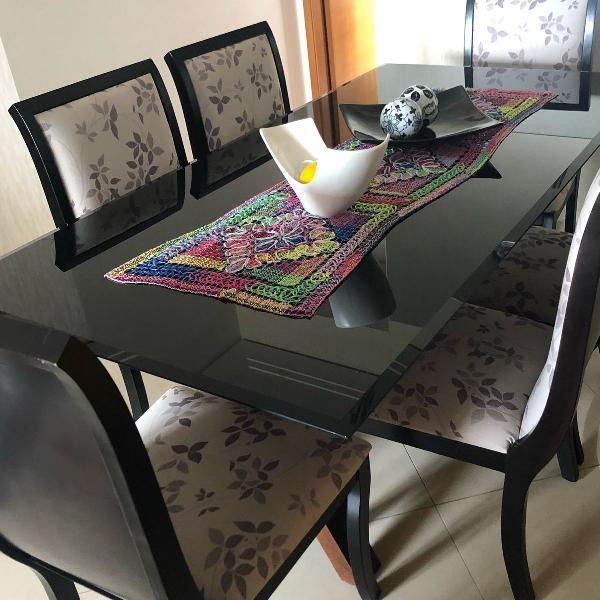 Mesa jantar madeira com 6 cadeiras estofadas