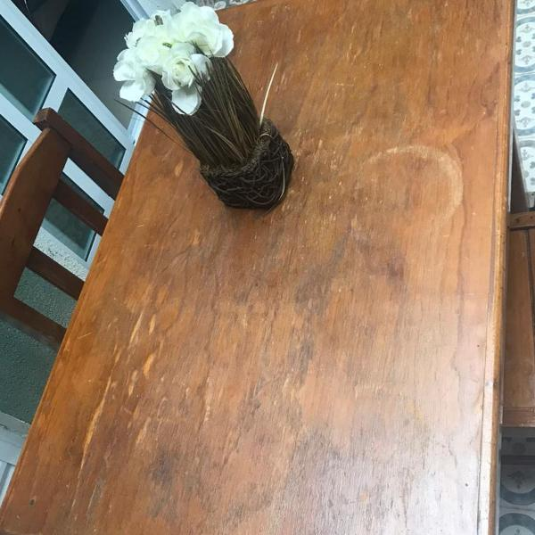 Mesa madeira cor mel linda