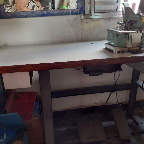 Máquina de costura overlock semi industrial marca twin star