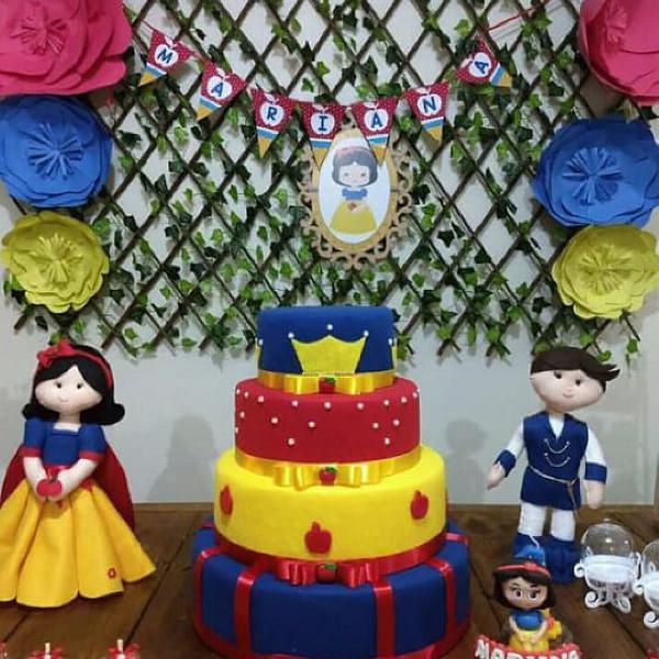 Muro ingles p painel de treliças para decoracao de festas