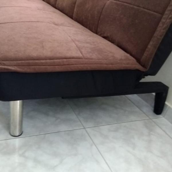sofá cama marrom suede nunca usado