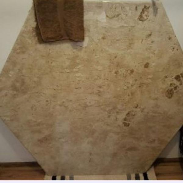 Tampa de mesa mármore travertino sextavada ( hexagonal )