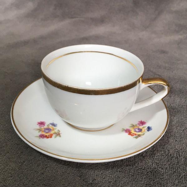 Xícara e pires floral porcelana mauá