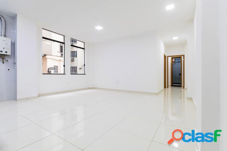 Apartamento excelente c/ 2 quartos e elevadores - centro