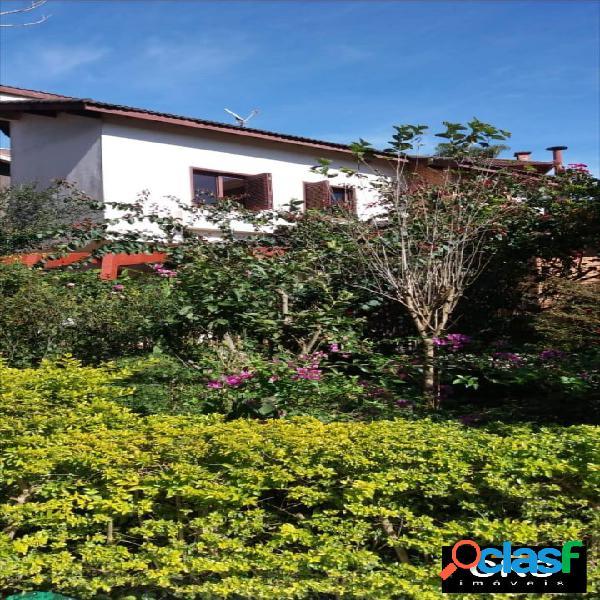 Vendo charmosa e aconchegante casa em aldeia da serra