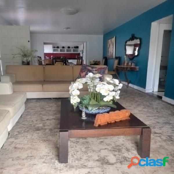Excelente casa em otima localização bairro Boa Vista 2